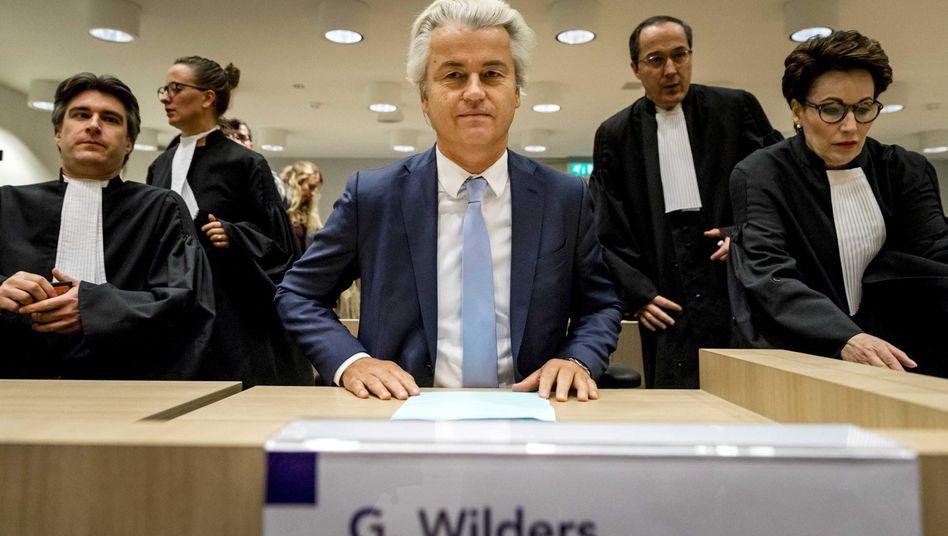 Populist Wilders vor Gericht in Amsterdam