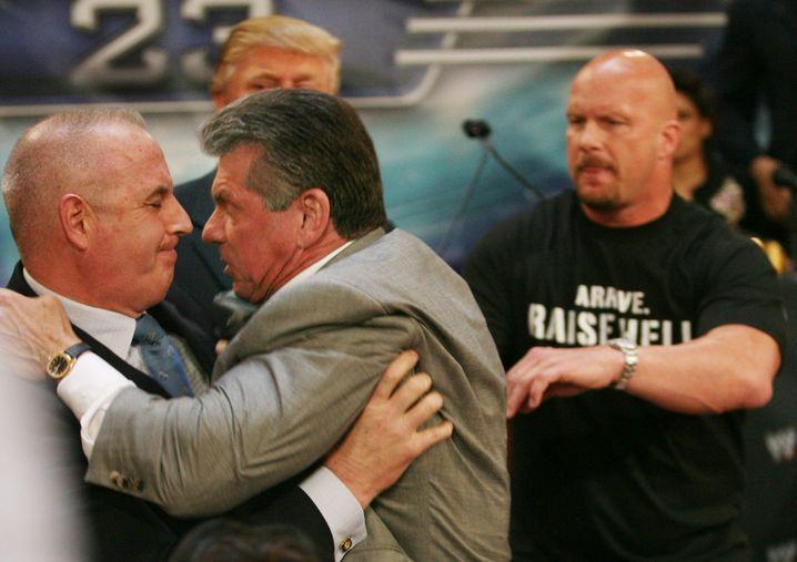 Showkampf mit Vince McMahon, Präsident eines Wrestlingverbands