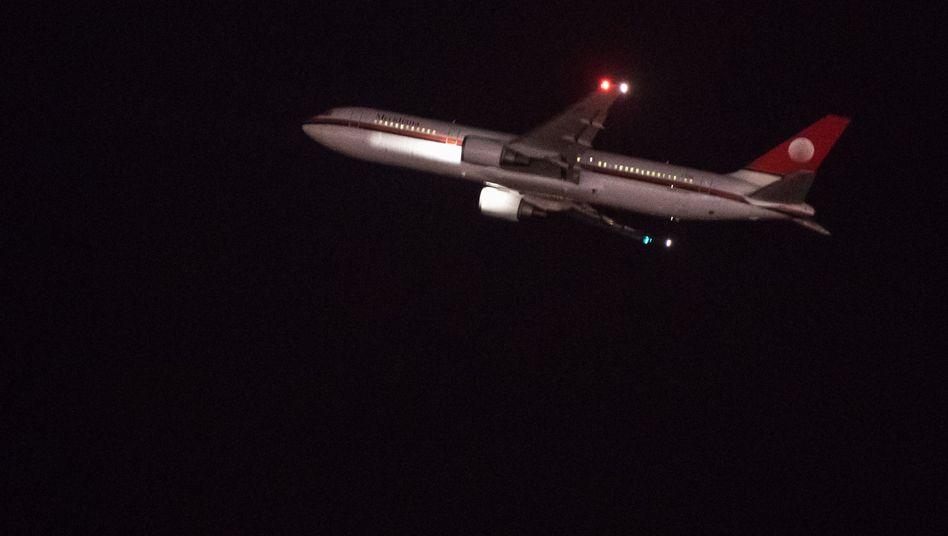 Flugzeug mit abgelehnten Asylsuchenden startet von München in Richtung Afghanistan (Archiv)