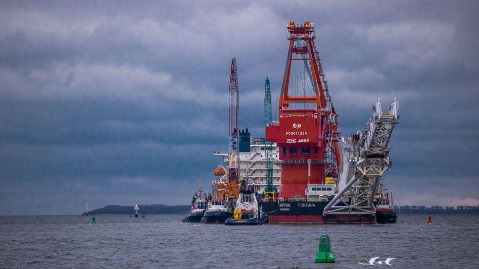Pipeline Verleger »Fortuna« auf dem Weg von Wismar in die Ostsee