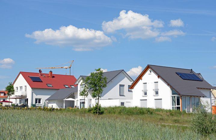 Wohngebiet mit Einfamilienhäusern (Symbolbild)