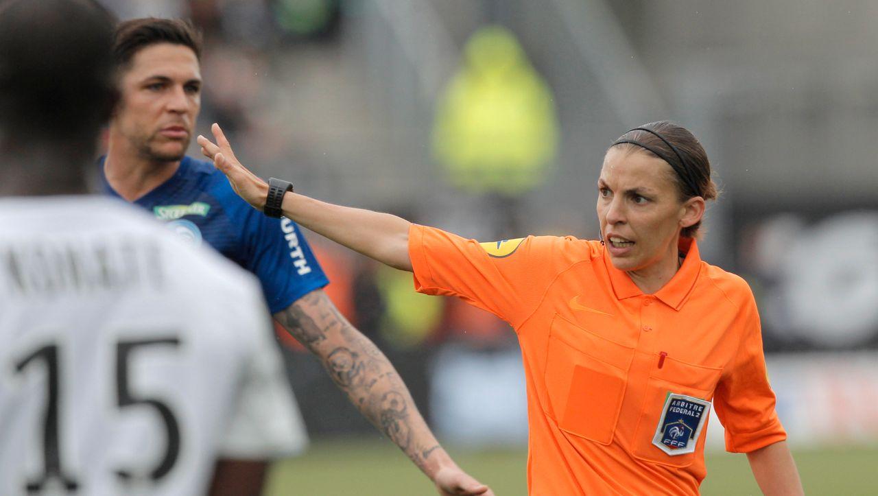 Stéphanie Frappart wird erste Schiedsrichterin in der Champions League der Männer
