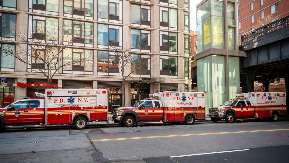 Krankenwagen in den Straßen Manhattans