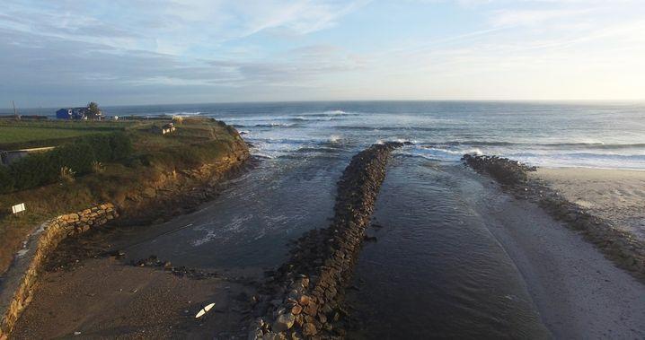 Galizien: Die Abwasserpipeline führt direkt ins Meer