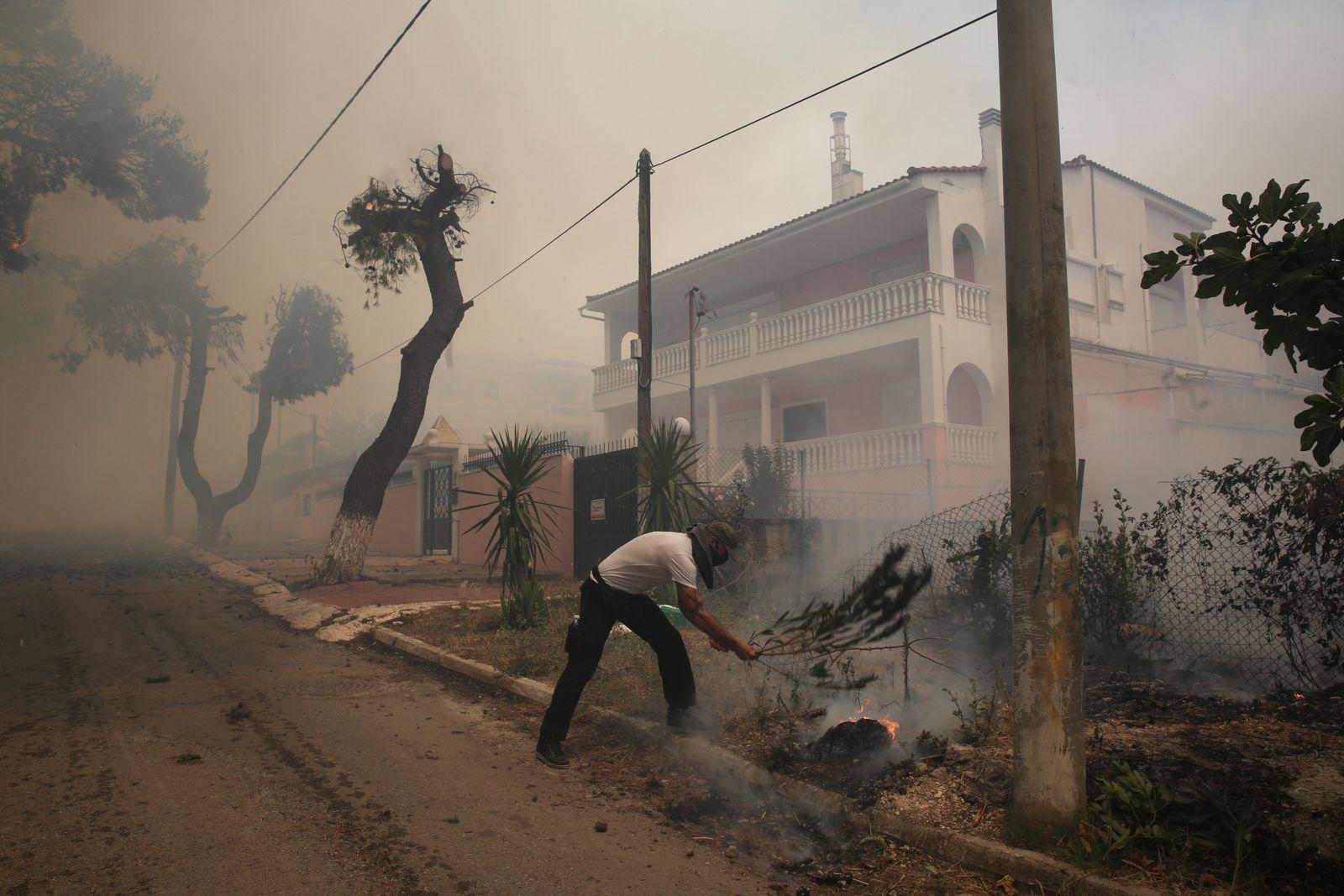 Devastating Attica fires still blazing