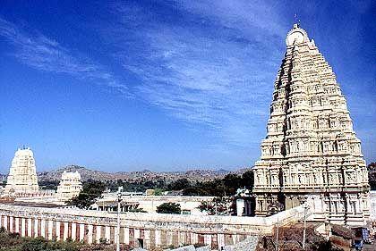 Virupaksha-Tempel in Hampi, der alten Haupstadt der Vijayanagar-Könige