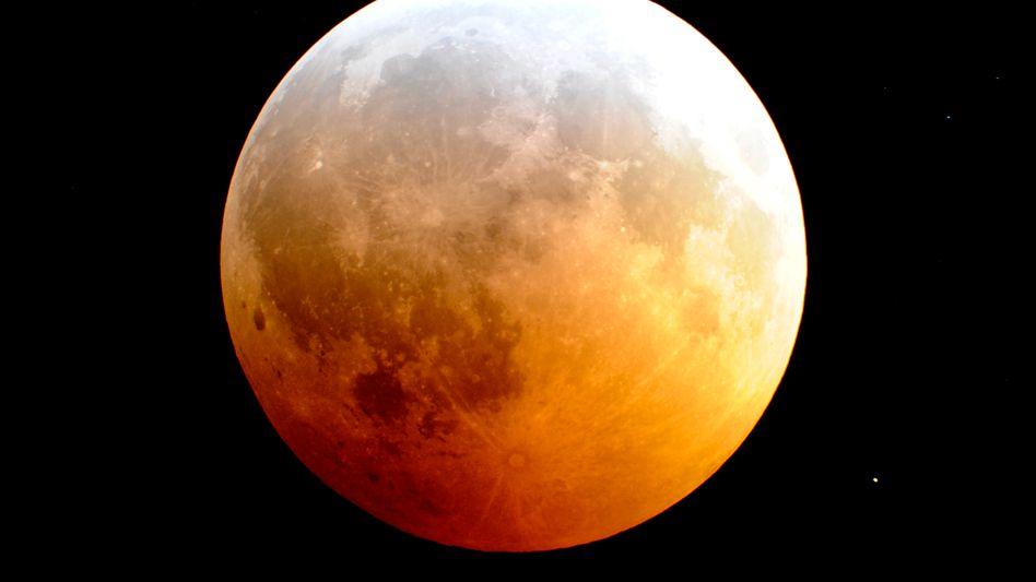 Blutmond: Wie rot der Mond leuchtet, hängt auch vom Aschegehalt der Atmosphäre ab