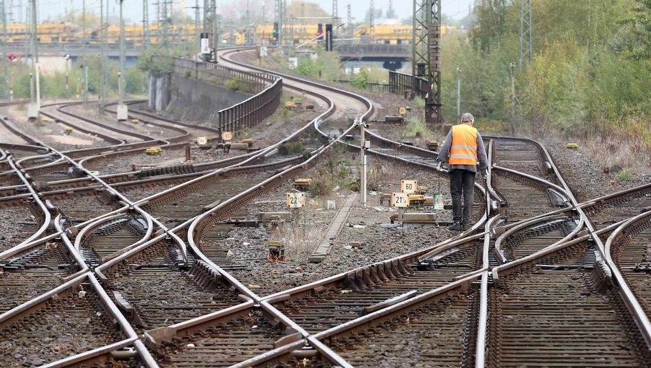 Gleise in Hamburg: Das Schienennetz muss saniert werden