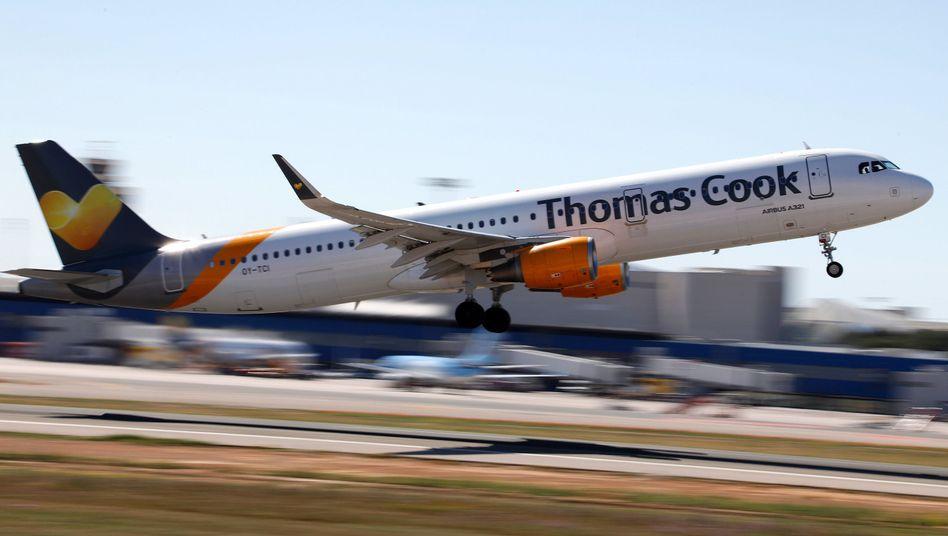 Maschine von Thomas Cook beim Start in Palme de Mallorca: Rettung vereinbart