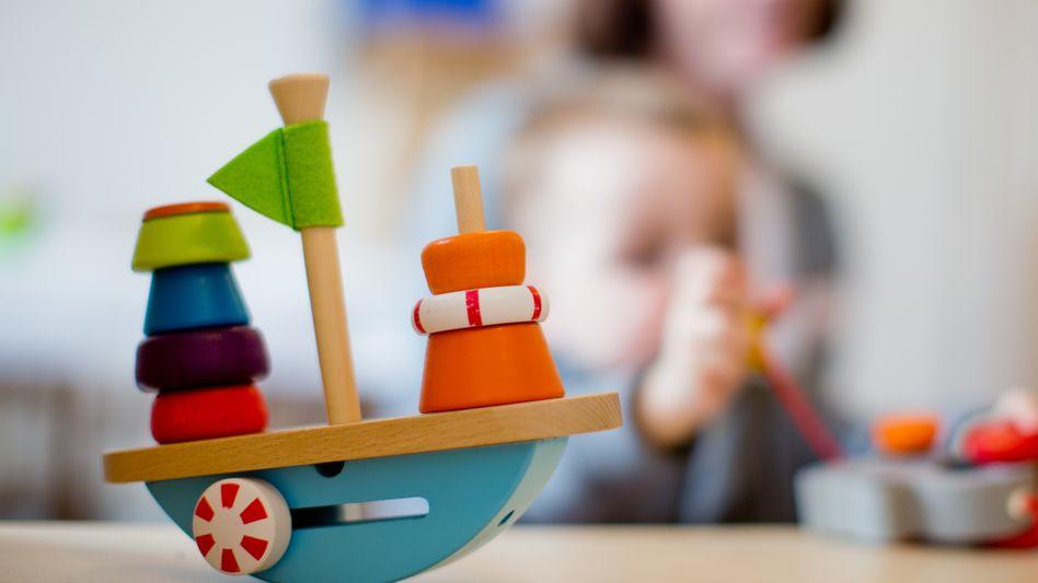 Kind spielt in einer Kita in Nordrhein-Westfalen (Symbolbild)