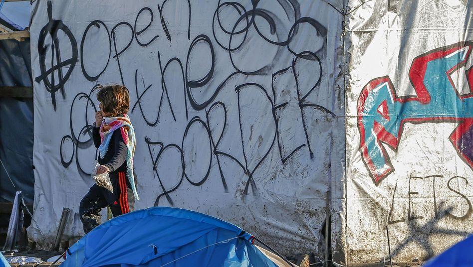Junger Flüchtling in Frankreich (Symbolbild): Warnung der Behörden