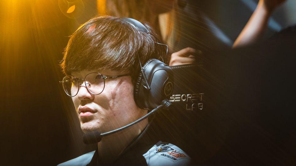 "Lee ""Faker"" Sang-hyeok wurde dreimal Weltmeister"