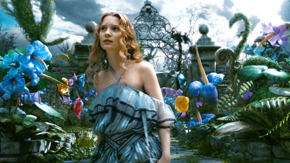 """Harmlose Schwärmerei oder pädophile Neigungen? Szene aus der Disney-Verfilmung von """"Alice im Wunderland"""" von 2010"""