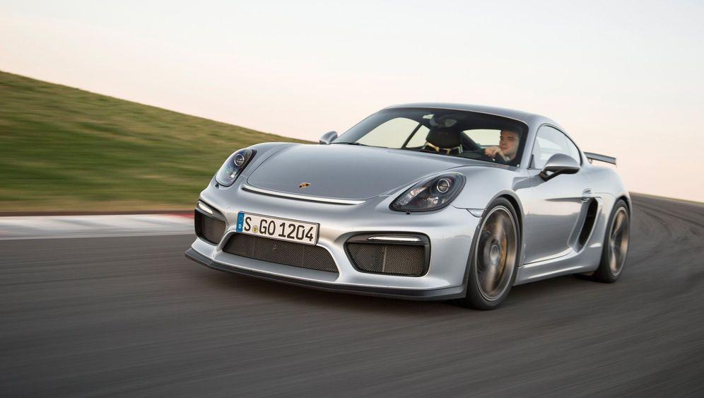Autogramm Porsche Cayman GT4: Mit Flügel und Schlaufe
