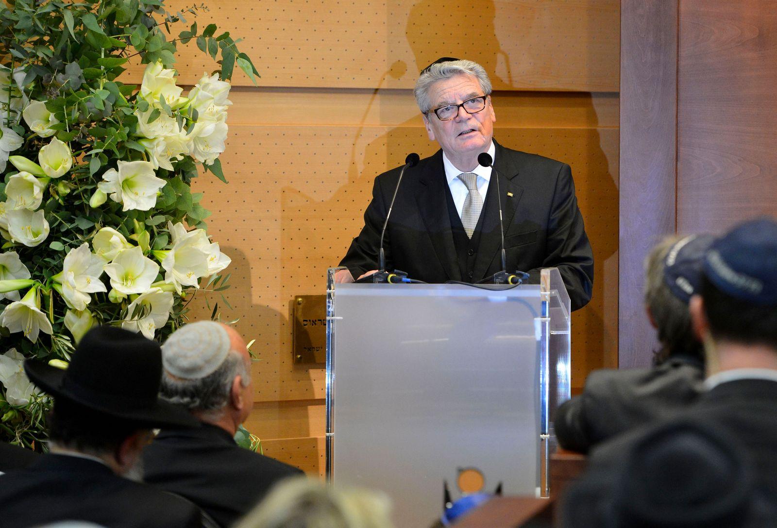 NICHT VERWENDEN Gauck Ulm Beschneidungsdebatte