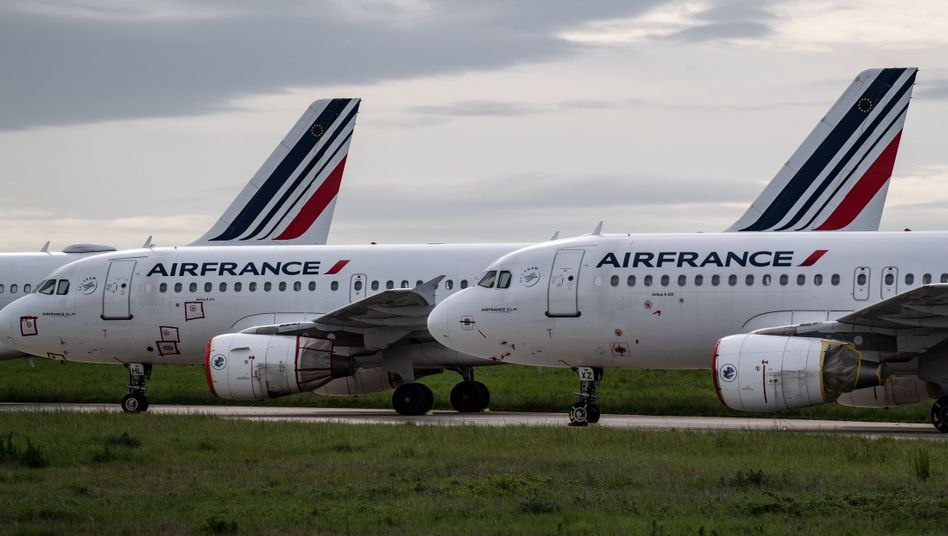 Air-France-Maschinen in Paris: Sieben Milliarden Euro für den Fortbestand