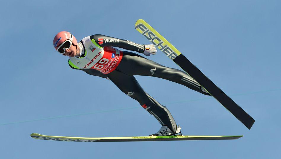 Skispringer Freund: Rang sechs in der Qualifikation von Oberstdorf