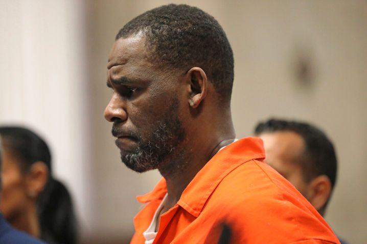 R. Kelly während einer Anhörung im Leighton Criminal Courthouse (Bild von September 2019)
