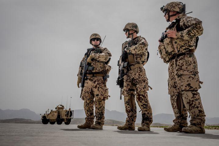 Soldaten der Bundeswehr im afghanischen Masar-i-Scharif