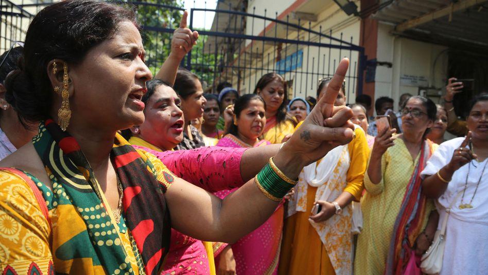 Kundgebung gegen Bollywood-Schauspieler in Mumbai