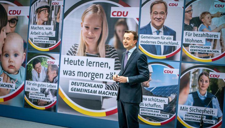 Generalsekretär Paul Ziemiak bei der Präsentation der neuen CDU-Plakate