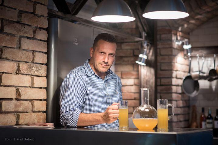 """András Lénárd: """"Weil die Großen sehen, dass unser echtes Bier, das wir nur aus Gerste, Hopfen und Quellwasser brauen, Erfolg hat, wollen sie uns fertigmachen."""""""