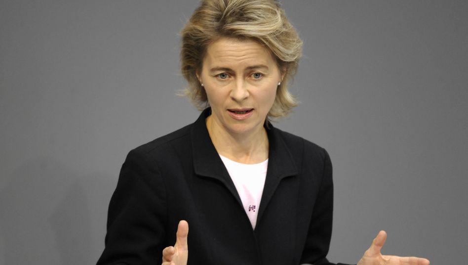 """Bundesarbeitsministerin von der Leyen: """"Flexibler auf Auftragsflauten reagieren"""""""