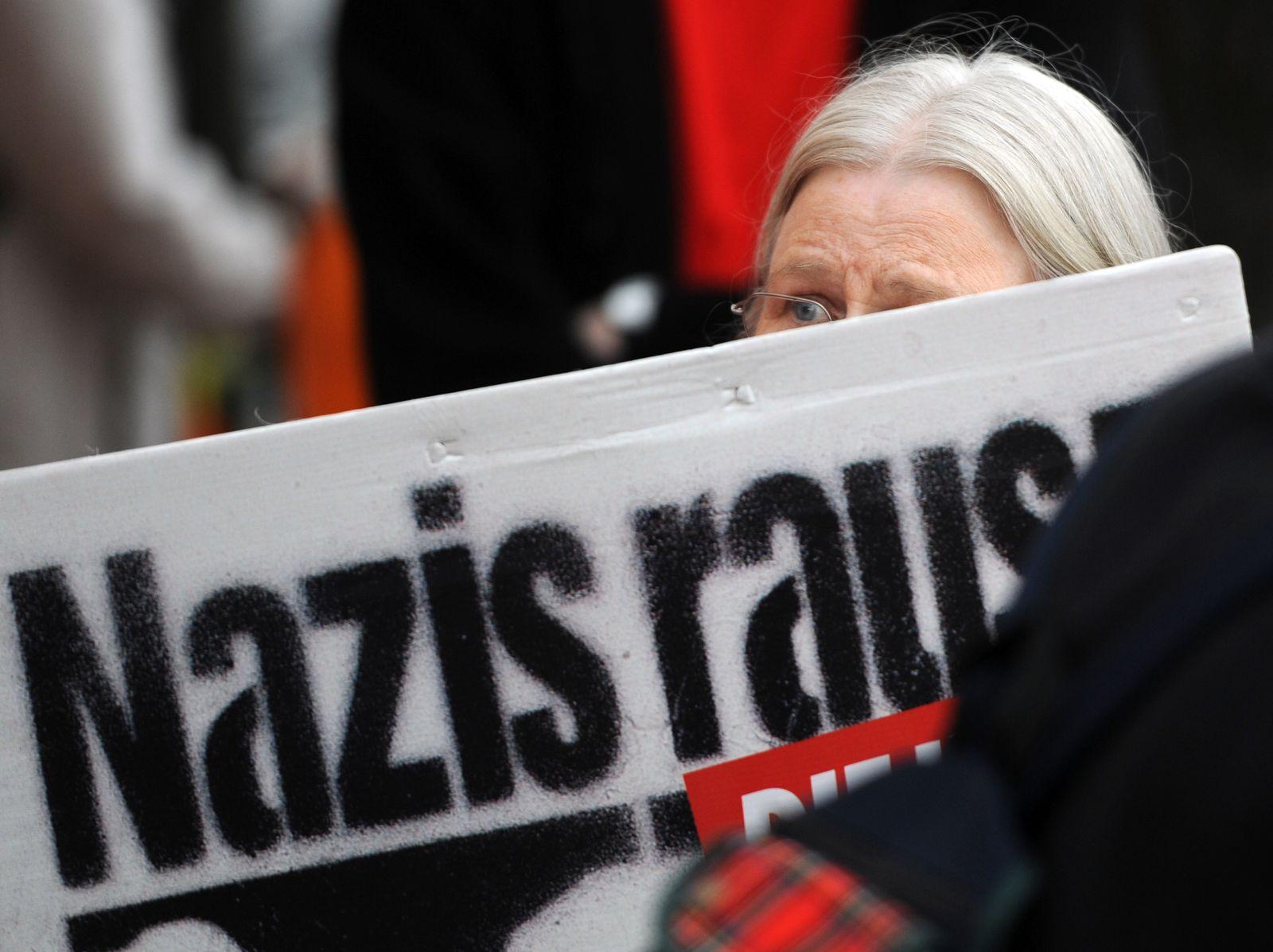 NPD / Kundgebung / Nazis raus