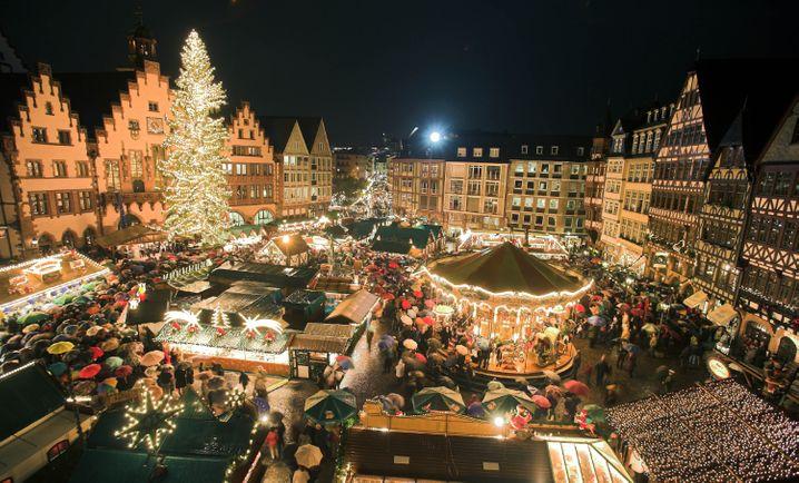 NRW-Ministerpräsident Armin Laschet sprach sich für einen Alkoholverzicht auf Weihnachtsmärkten aus