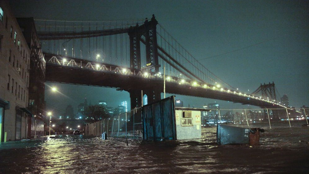 Photo Gallery: Sandy Wreaks Havoc on US East Coast