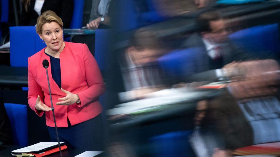Franziska Giffey im Bundestag: Neue Details in der Plagiatsaffäre