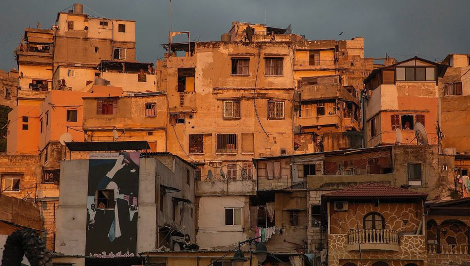 "The Tripoli neighborhood of Bab Tabbeneh: ""We can't go on."""