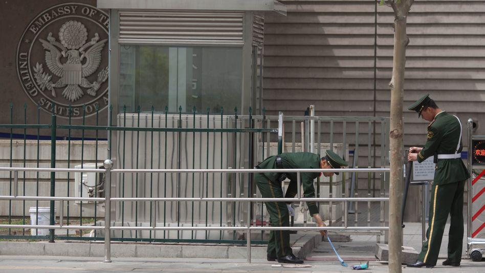 Chinesische Sicherheitskräfte vor US-Botschaft in Peking