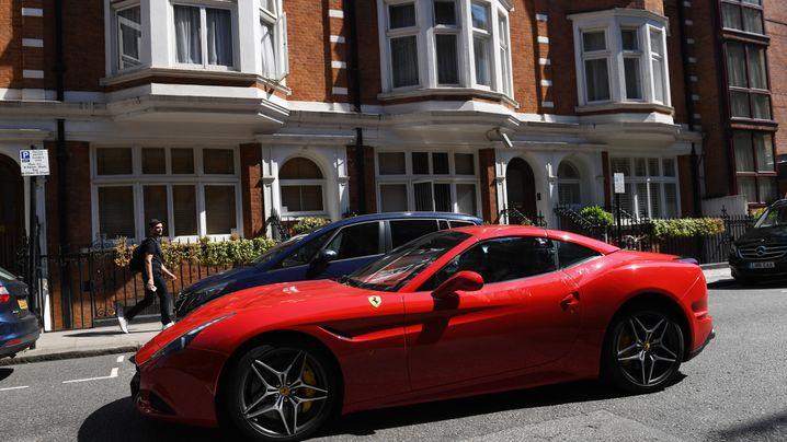 Oberklasse: Pro Auto verdient Ferrari 69.000 Euro - Tesla verliert 11.000