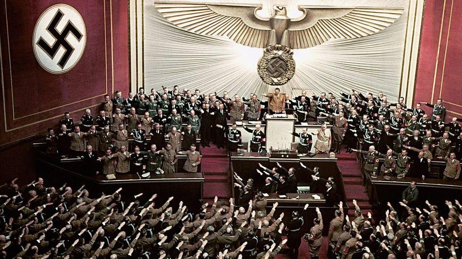 NS-Politiker bei Reichstagssitzung 1939(*1): »Dies Fortwirken der Nationalsozialisten ist ein Grundgebrechen der Bundesrepublik«