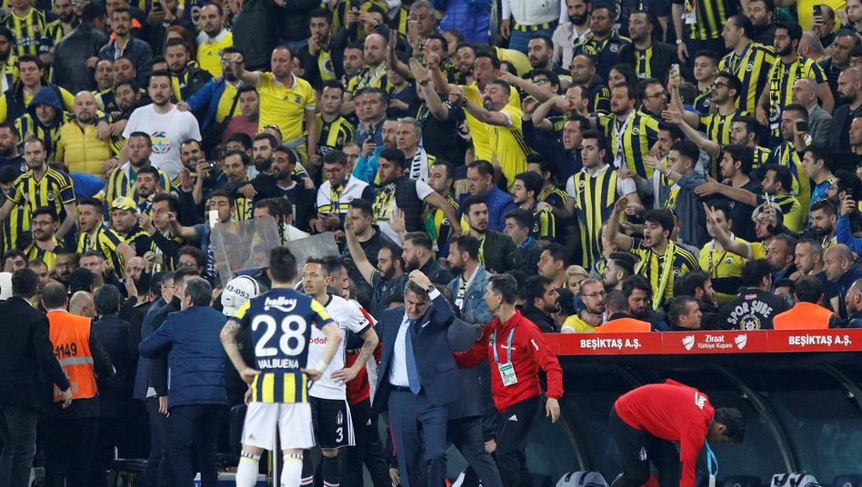Fenerbahce vs. Besiktas (19.04.2018)
