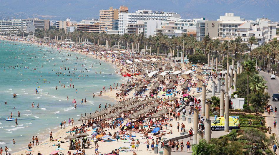 Der Strand El Arenal auf Mallorca (Archivaufnahme)