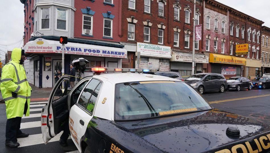 """""""Das war ein Terrorakt"""": Eine Polizeistreife am Tatort in Jersey City"""