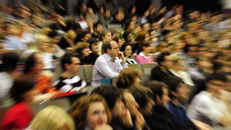 Hörsaal: Studentenflut, aber Stipendiatenebbe