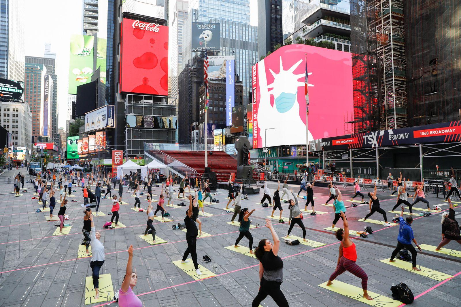 Summer solstice celebrations in New York