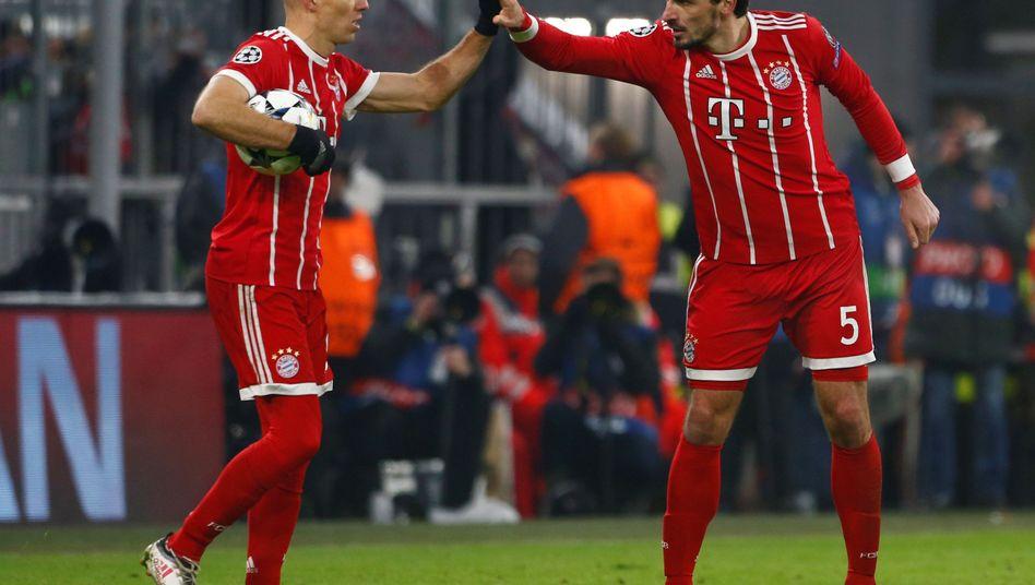 Arjen Robben (l.) und Mats Hummels