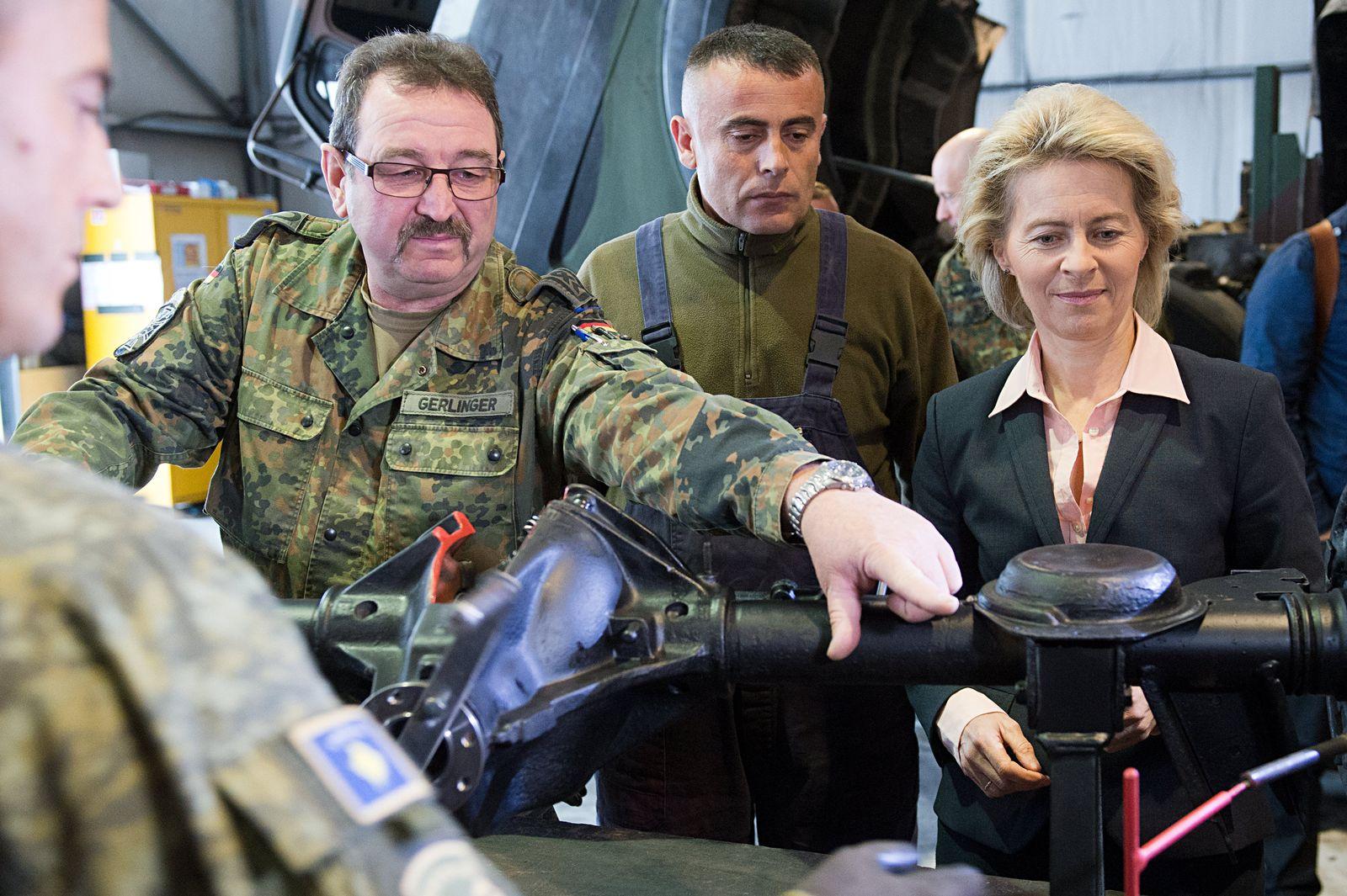 Von der Leyen zu Truppenbesuch im Kosovo