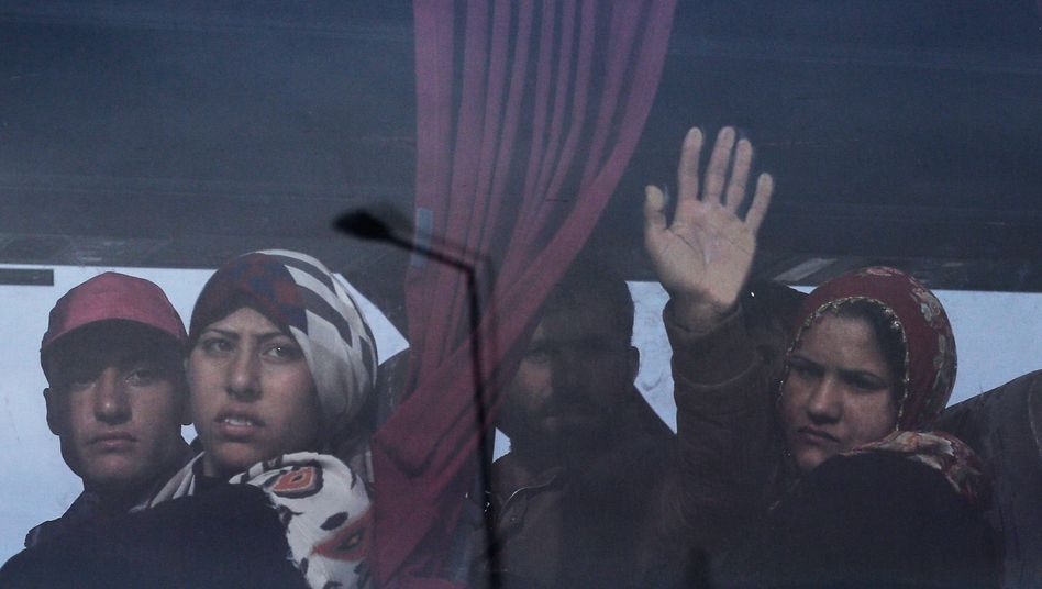 Flüchtlinge nach der Räumung im griechischen Idomeni