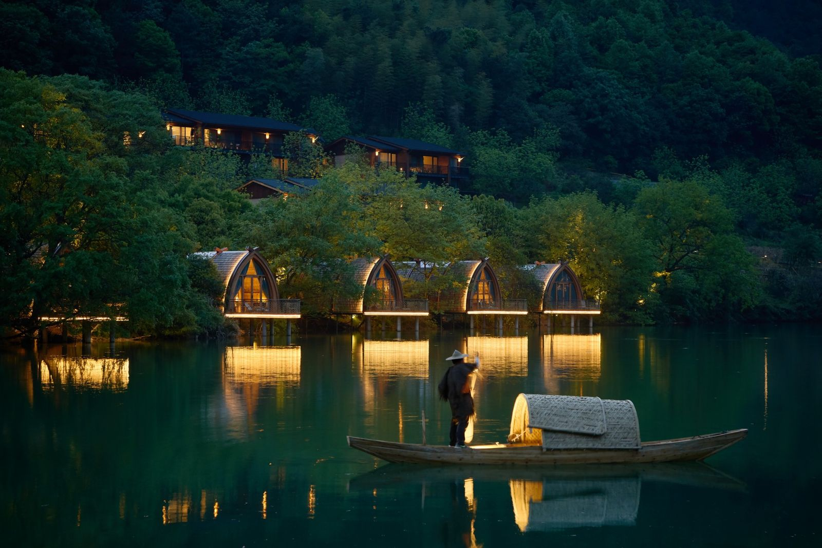 Boat Rooms on the Fuchun River by Design Institute of Landscape and Architecture China