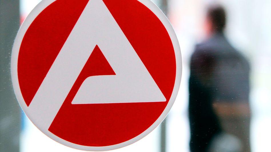 Agentur für Arbeit in Rostock: Saisonbereinigt fiel die Arbeitslosenzahl