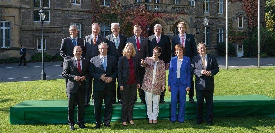 Ministerpräsidenten bei Jahreskonferenz in Saarbrücken im Oktober 2017: »Völlig neu reden«