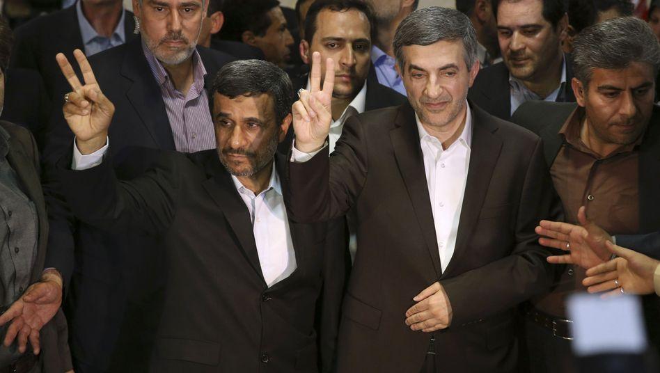 """Ahmadinedschad und Maschai im Innenministerium: """"Kriminelles Verhalten"""""""