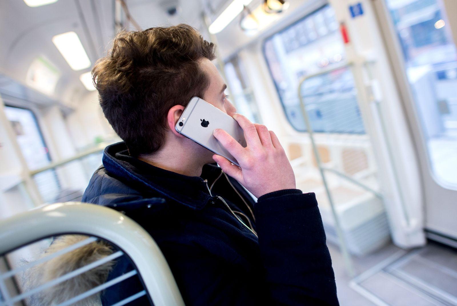 ÖPNV/ Quiz/ telefonieren verboten