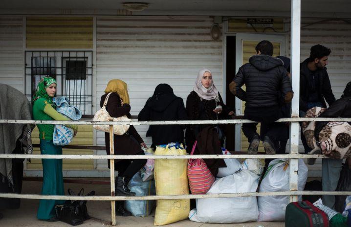 Flüchtlinge an der türkisch-syrischen Grenze: Erdogan fordert Schutzzone
