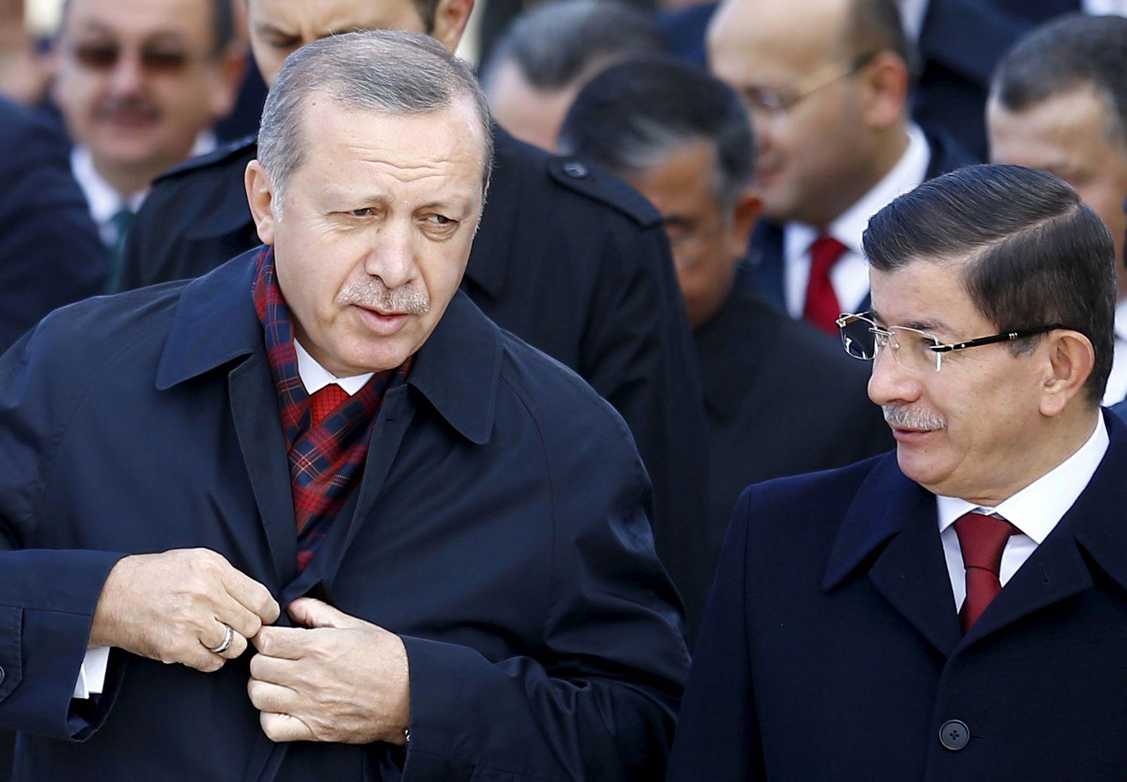 Erdogan, Davutoglu